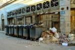 Muell und Muellcontainer in den Strasse Amargura der Altstadt, La habana vieja, Havanna, Cuba, 31.01.2015 [(c) Christian Behring, www.christian-behring.com]
