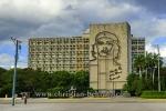 """Innenministerium, mit einem Bildnis von Che Guevara und dem Spruch """"Hasta la Victoria Siempre"""" (immer bis zum Sieg) , Plaza de la Revolucion, Havanna, Cuba, 26.01.2015 [(c) Christian Behring, www.christian-behring.com]"""