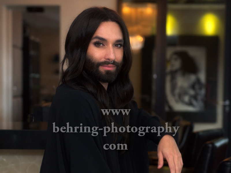 CONCHITA, Photo Call im Hotel Am Steinplatz, Berlin, am 24.10.2017