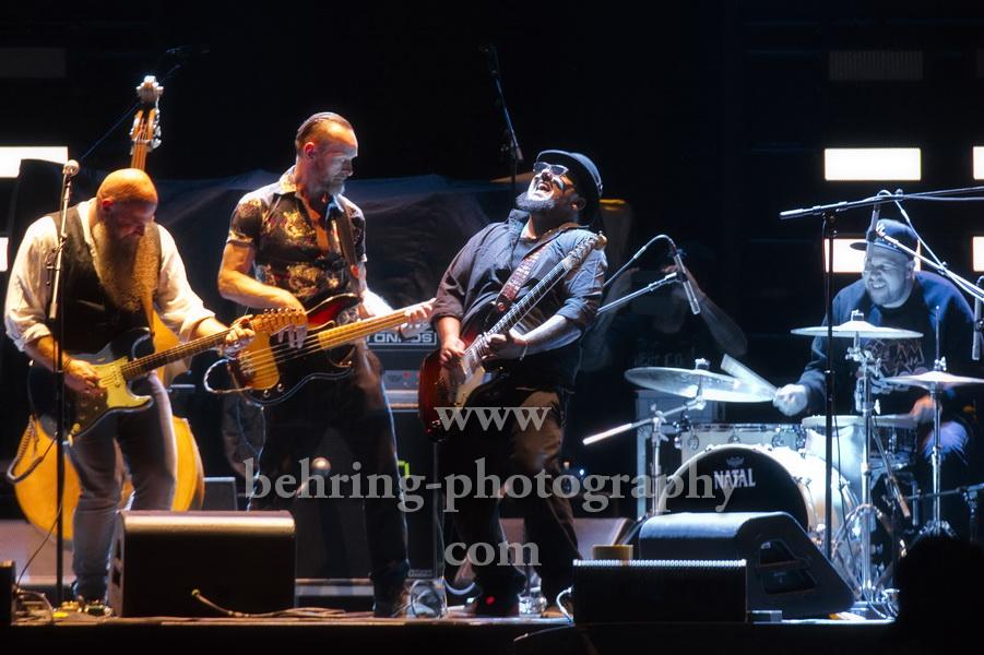Marc AMACHER, Sänger und Gitarrist, Bildmitte, Konzert in der Mercedes-Benz Arena in Berlin, 04.06.2019