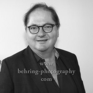 Jürgen Tarrach singt Fado @ Passionskirche