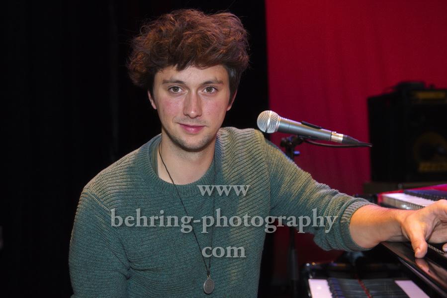 Luca SESTAK vor dem Konzert im Heimathafen Neukoelln, Berlin, 05.10.2019