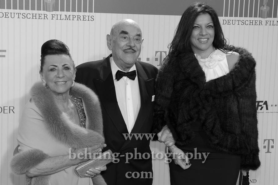 Arthur Brauner und Familie, LOLA, Deutscher Filmpreis 2011, Preisverleihung im Berliner Friedrichstadtpalast, Roter Teppich, Berlin