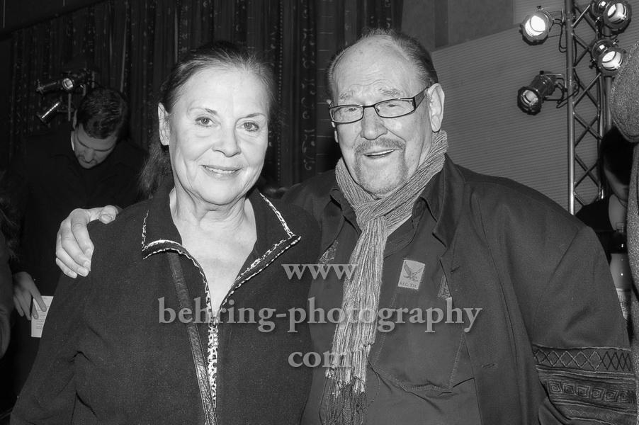 Ursula Karusseit und Herbert Koefer, FRANK ZANDERS WEIHNACHTSFEIER FUER OBDACHLOSE im Estrel Convention Center