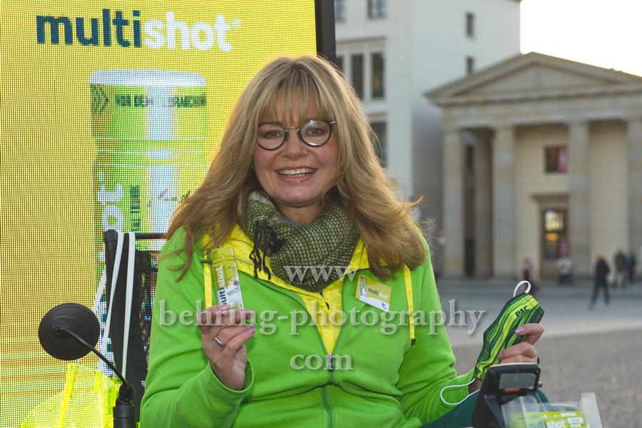 Maren GILZER, Photocall, Brandenburger Tor, Berlin, 20.11.2020