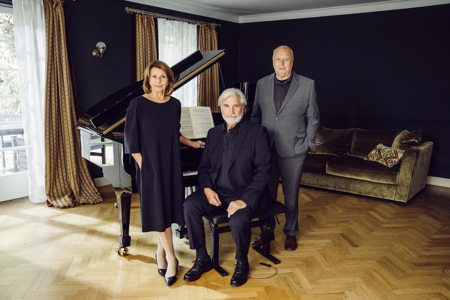 Von links: Charlotte Kler (Senta Berger), Walter Kler (Peter Simonischek), Martin Scheerer (Thomas Thieme)