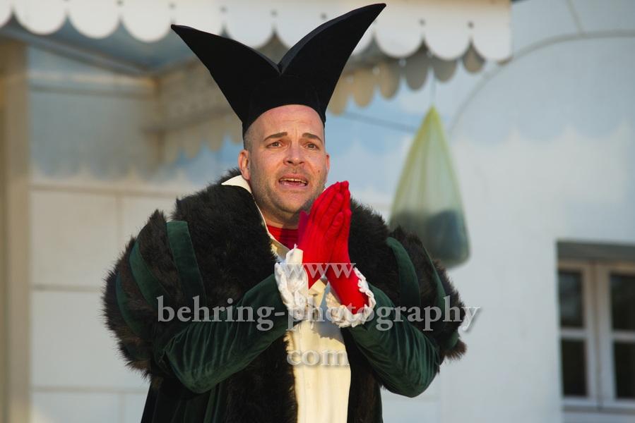 Tartuffe oder Das Schwein der Weisen, Deutsches Theater, Berlin, Open-Air-Premiere am 22.05.2021,