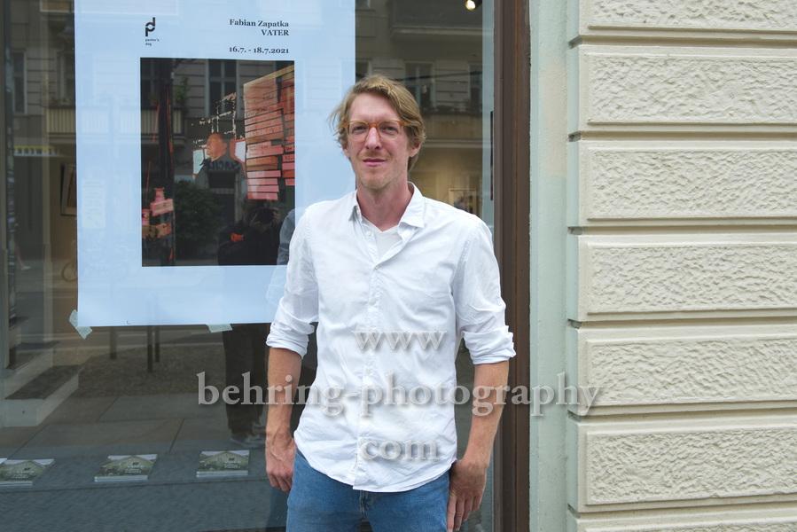 """""""Fabian Zapatka - Vater"""", Ausstellung, Berlin, Vernissage am 16.07.2021"""